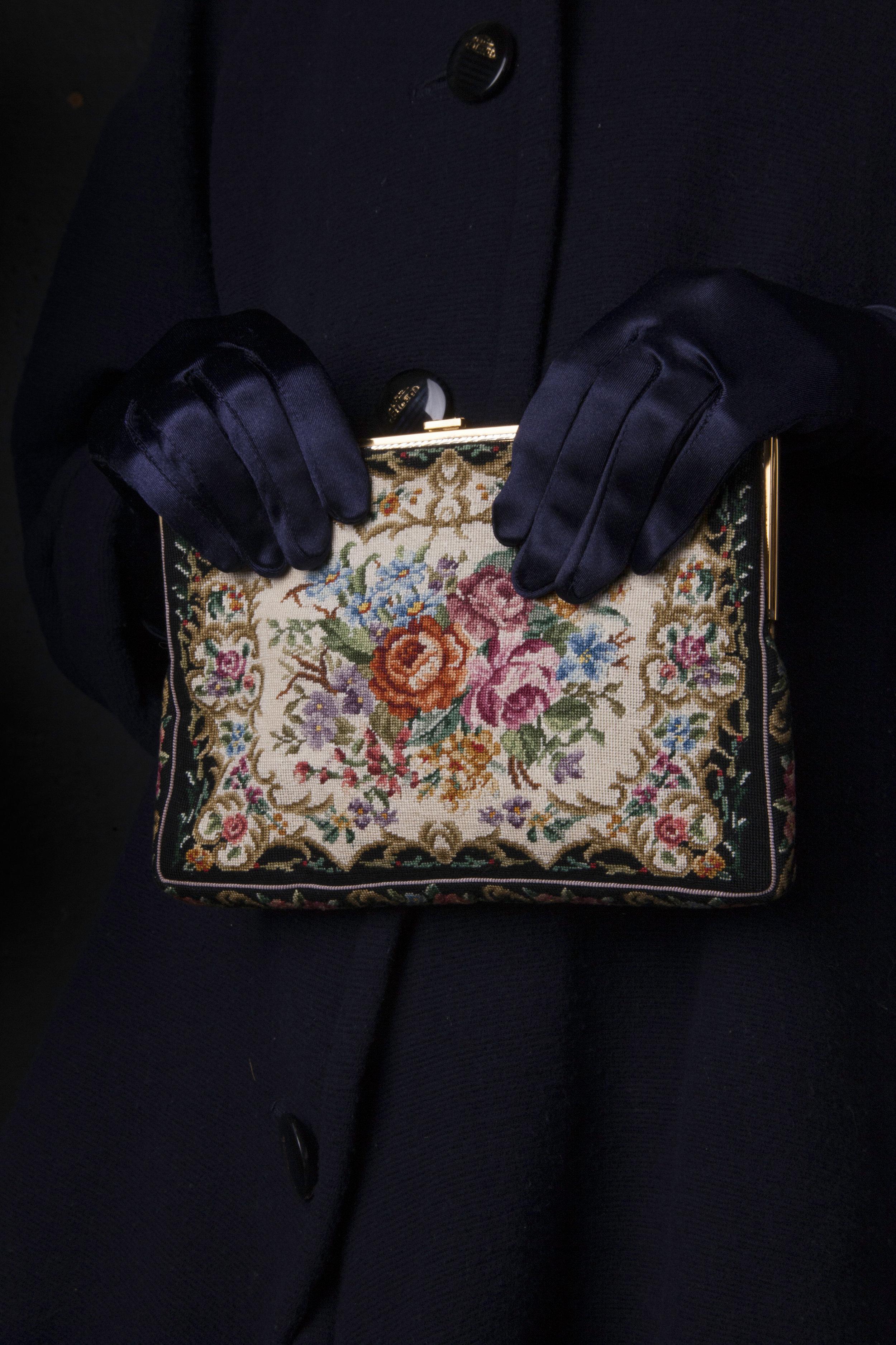 lady_purse.jpg