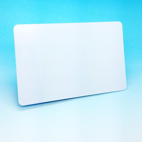 Passerkort i PVC, Våra pvc kort kan levereras med flertal till val, allt ifrån helt blankt kort med HICO magnetremsa till RFID singel chip eller kombi chip, kortet kan även utrustas med SLE chip för användnings som inloggningskort.
