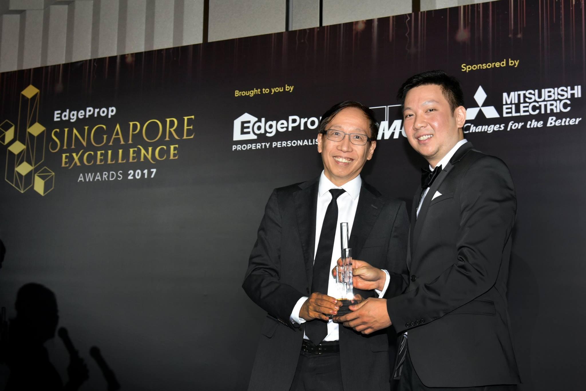 Award-Photo3.jpg