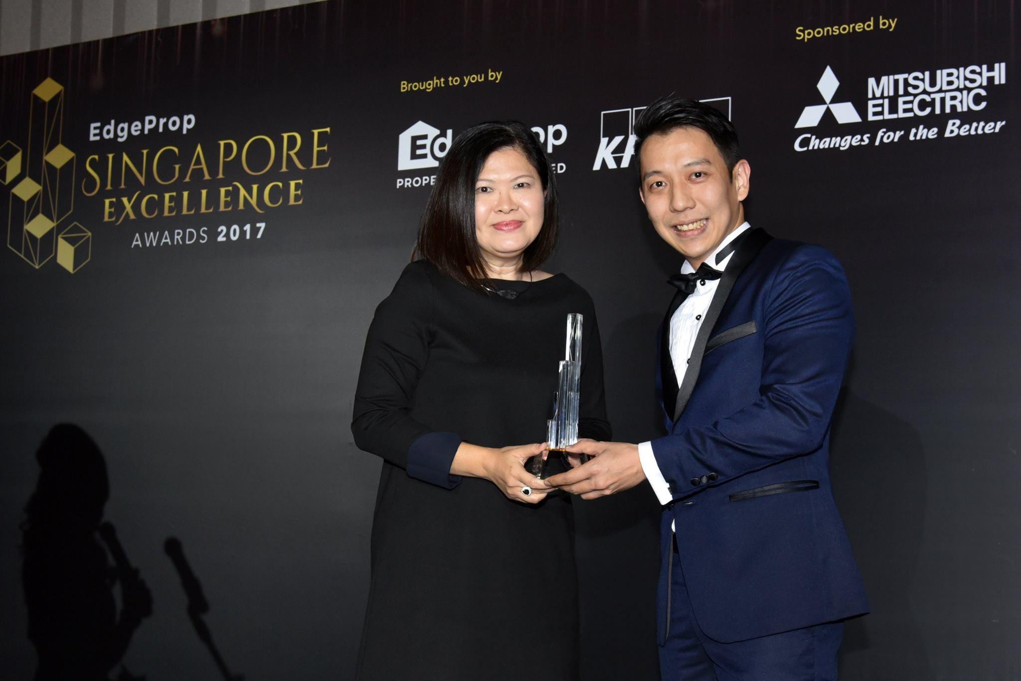 Award-Photo8.jpg
