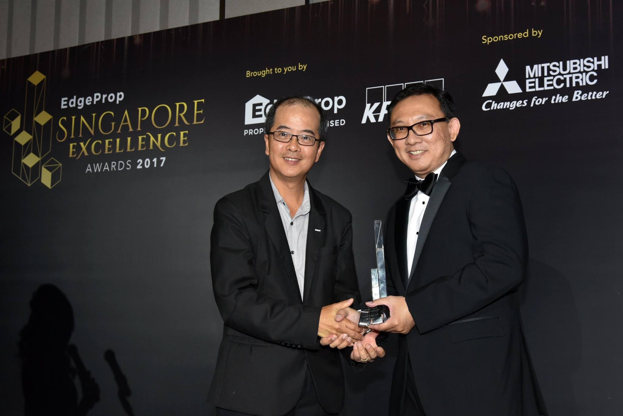 Award-Photo9.jpg
