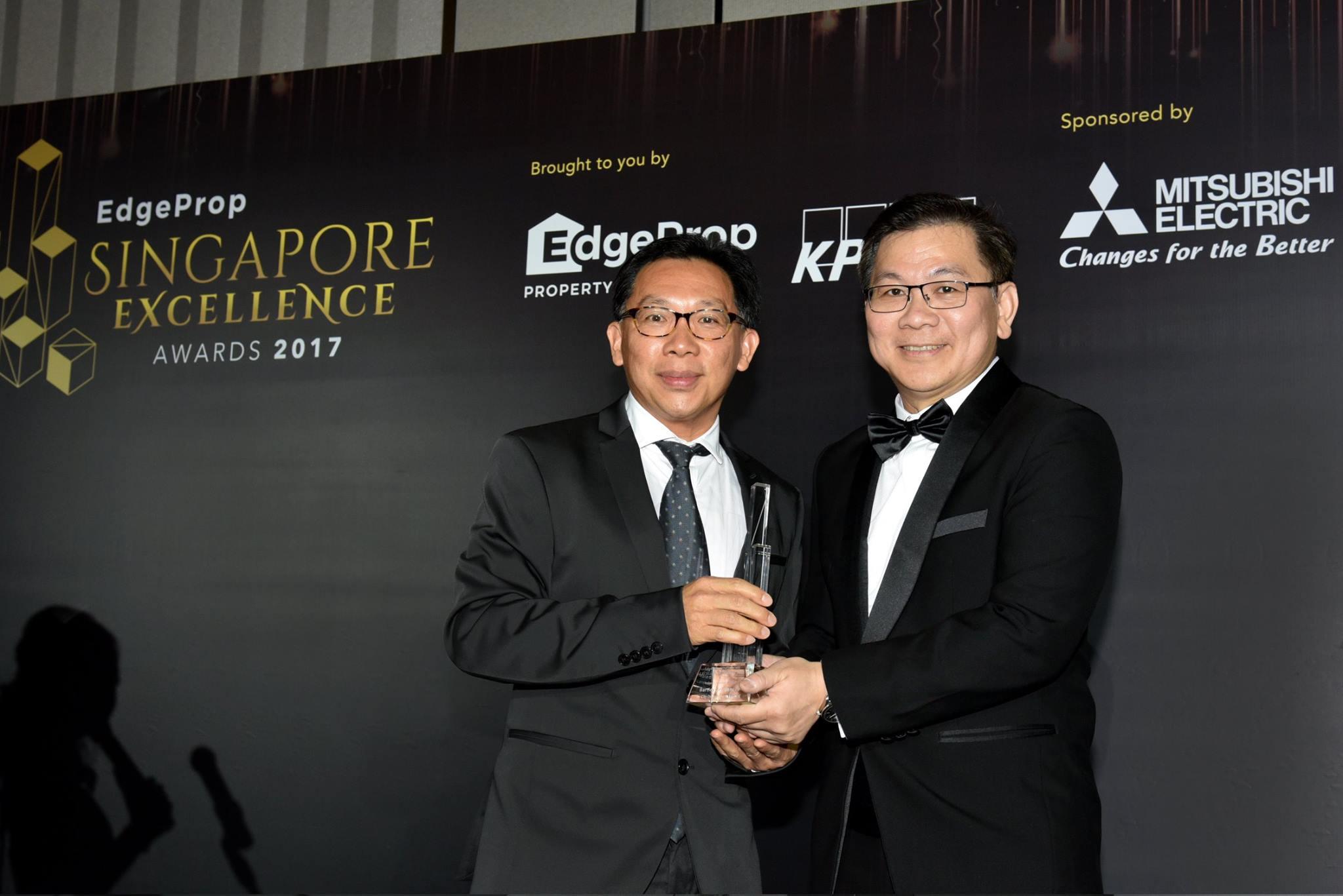Award-Photo11.jpg