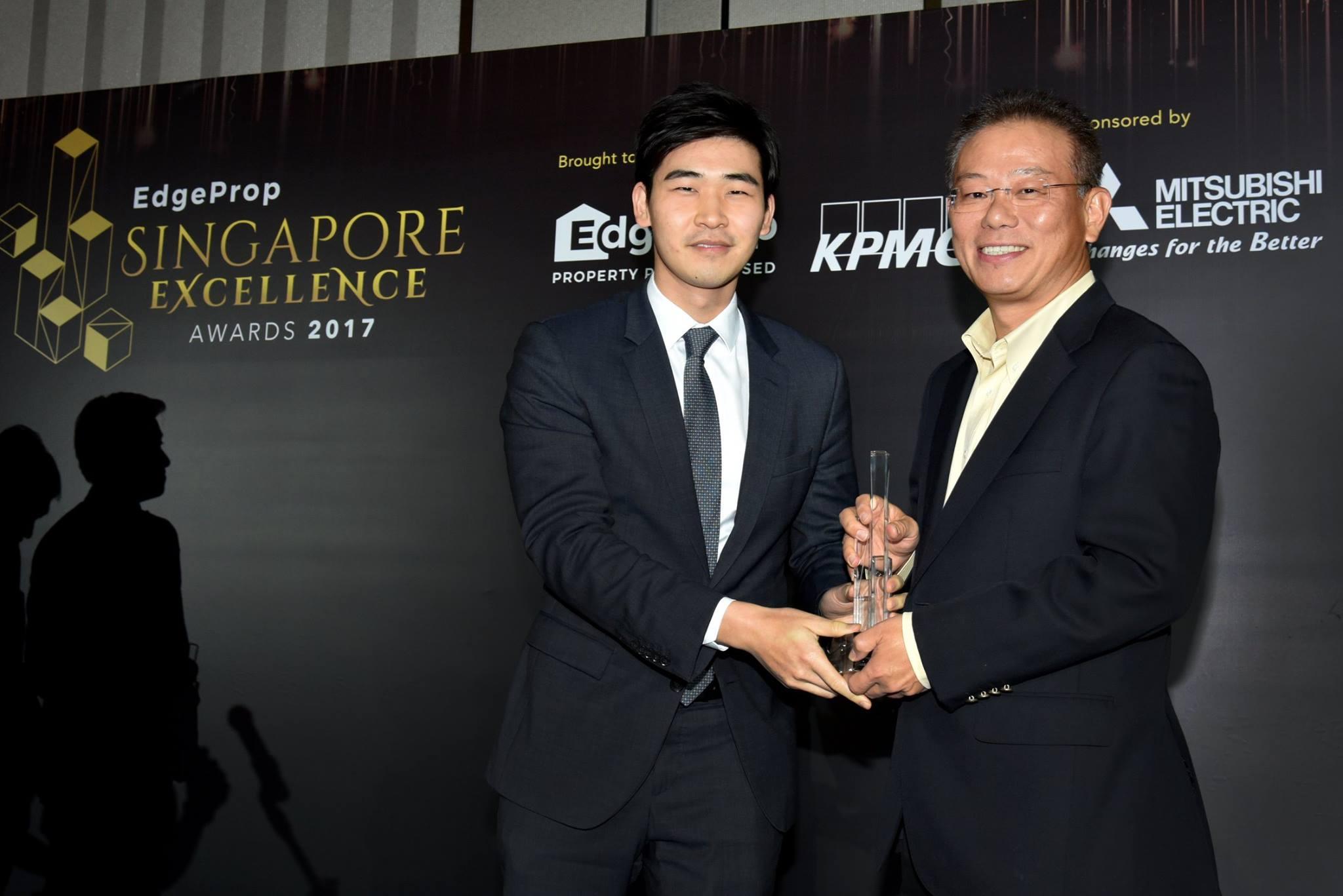 Award-Photo19.jpg