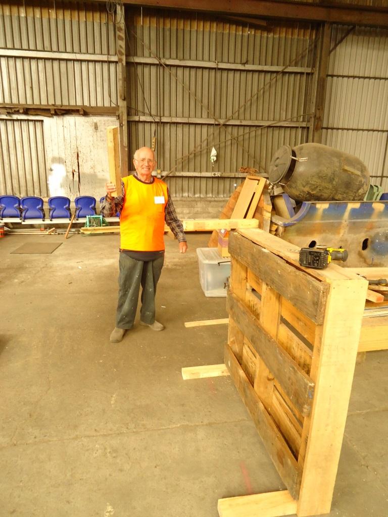 Ian makes pallet storage platform.