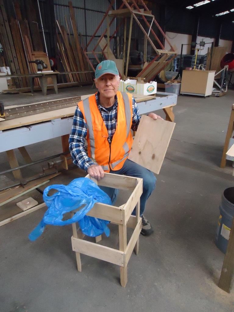 Garden chair/bin liner utility.
