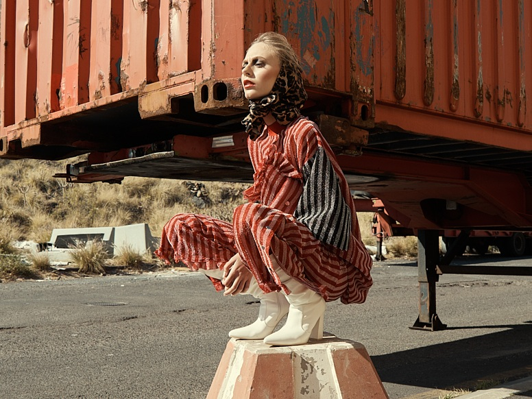 JAMIE WEI HUANG - Jamie Wei Huang is a contemporary luxury womenswear label, presenting a story of slightly casual sport luxury and careful juxtaposition of fabrication with refined details.
