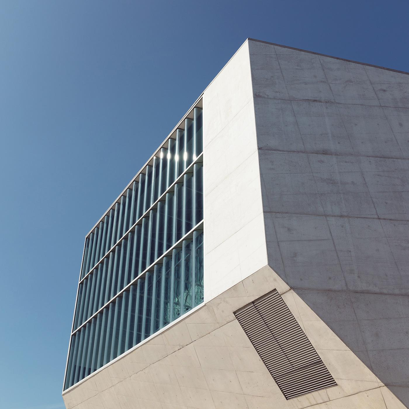 Casa da Música Location: Porto, Portugal Architects: OMA (Rem Koolhaas & Ellen Van Loon)