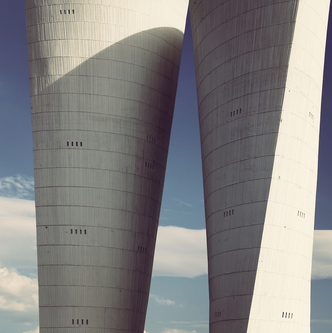 Water towers <br />Location: Valence, France <br />Sculptor: Philolaos Tloupas