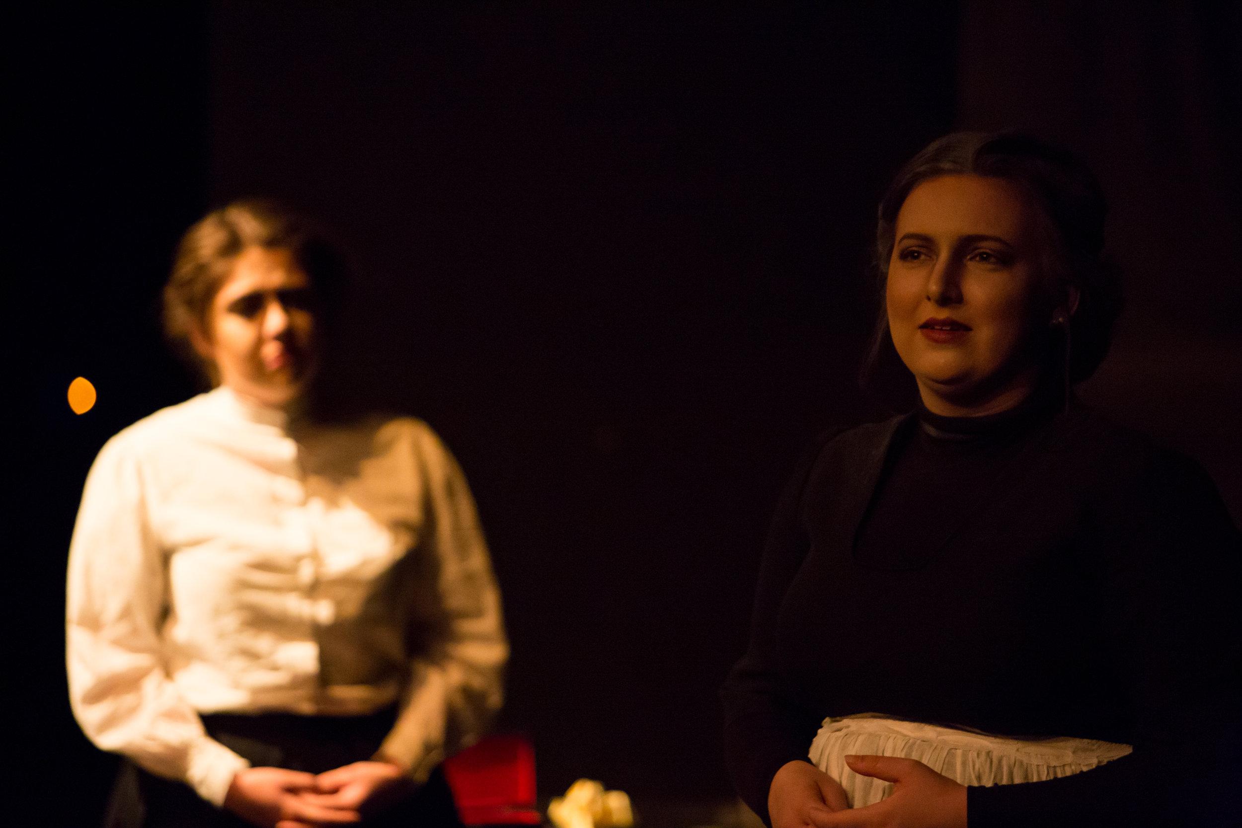 Edith in the dark_edit-34.jpg