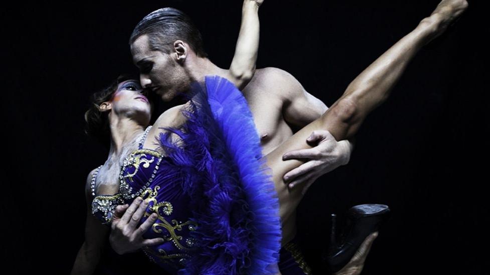 AcroEvents Cabaret y Circo Bodevil Marta Gutierrez