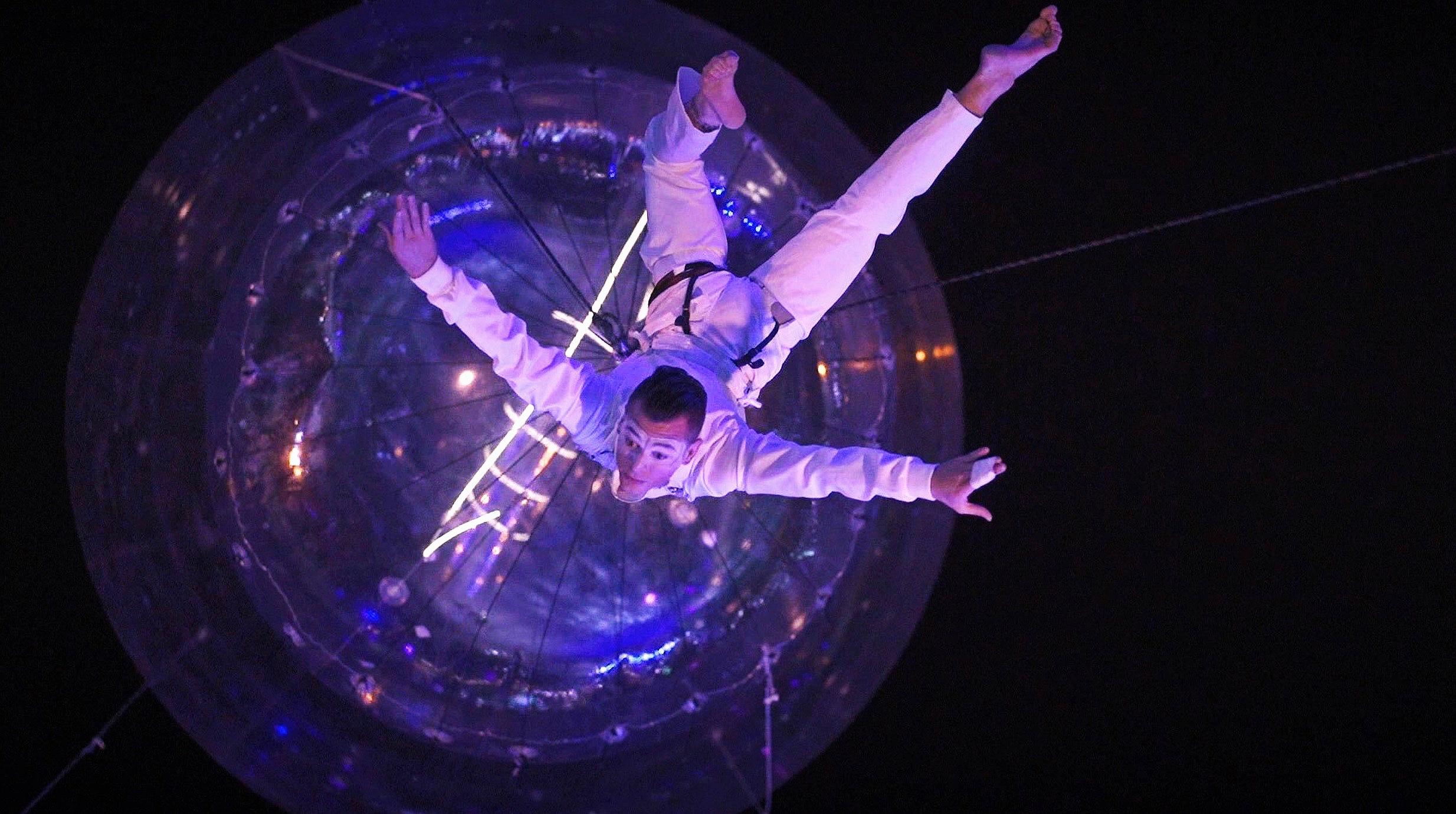 AcroEvents+Lightbulb+Saudi+Arabia+helium.jpg