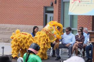 Lion with Mayor Koch.jpeg