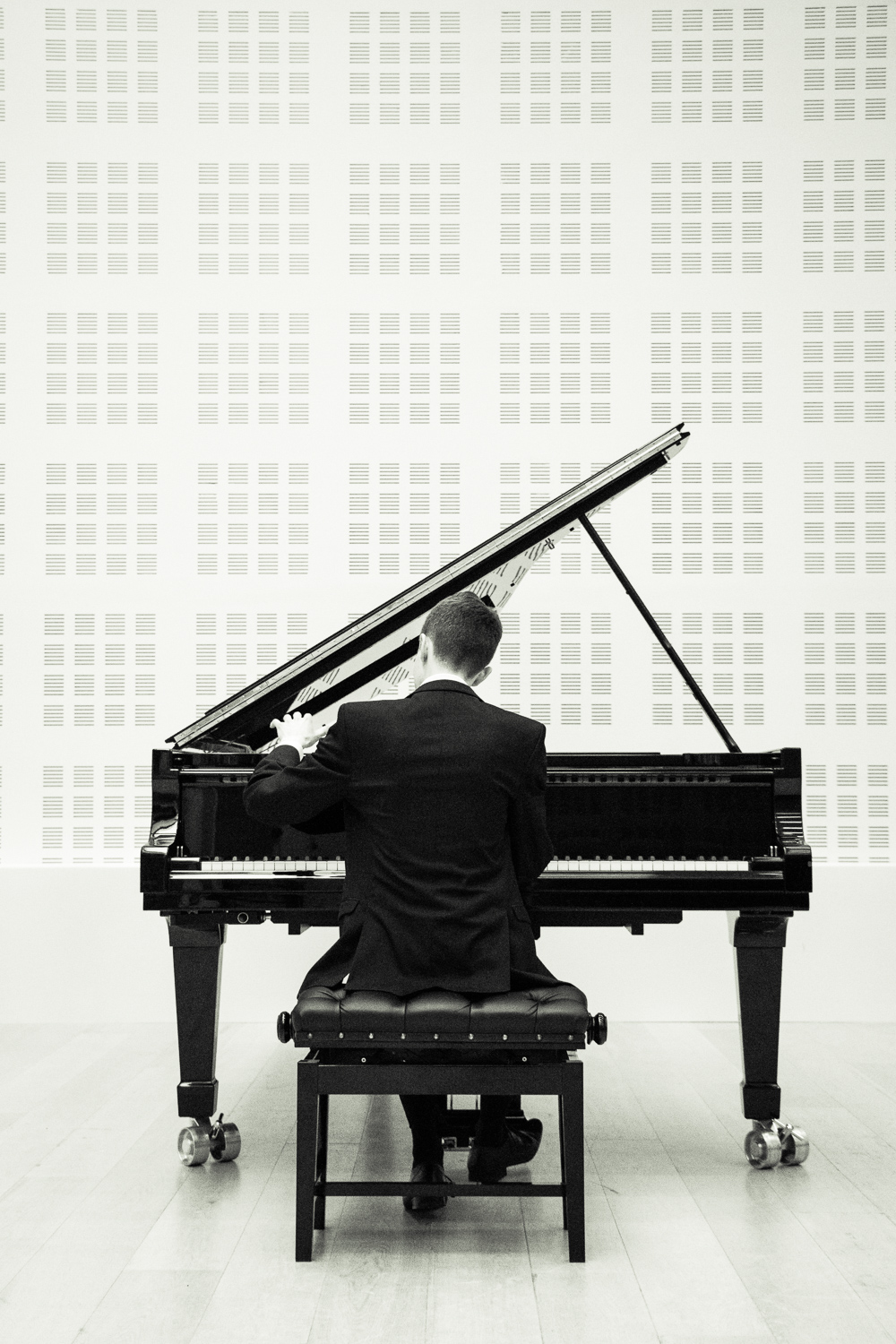 Iwan Owen   @Royal Northern College of Music - Portrait Photography - 2017_