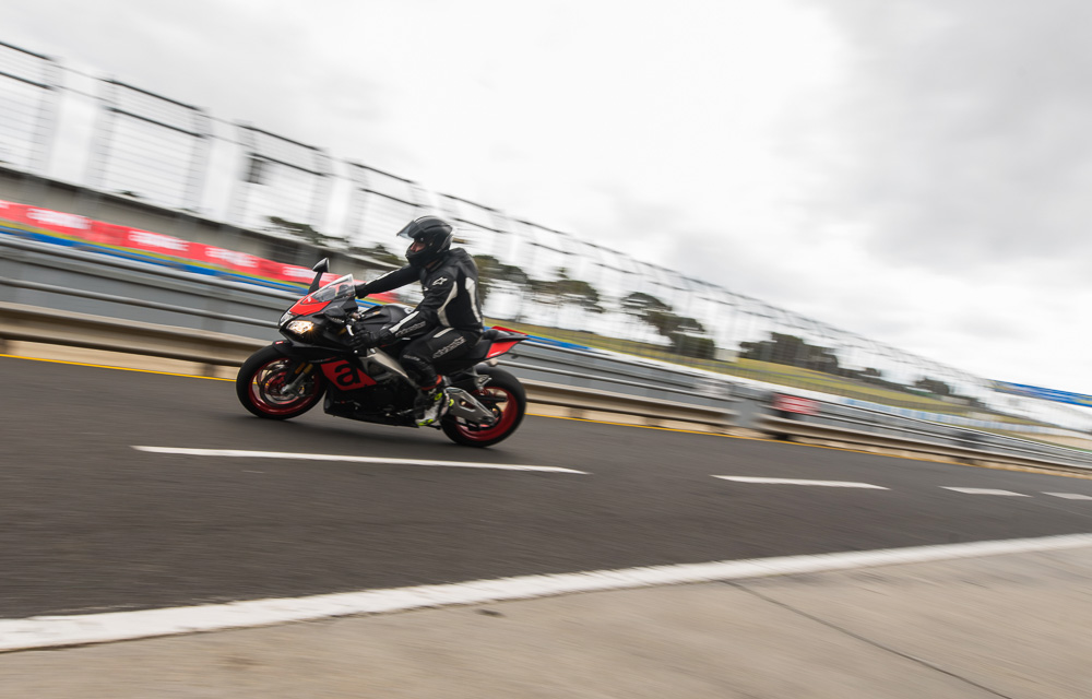 aprilia_rideday_phillipisland-12.jpg
