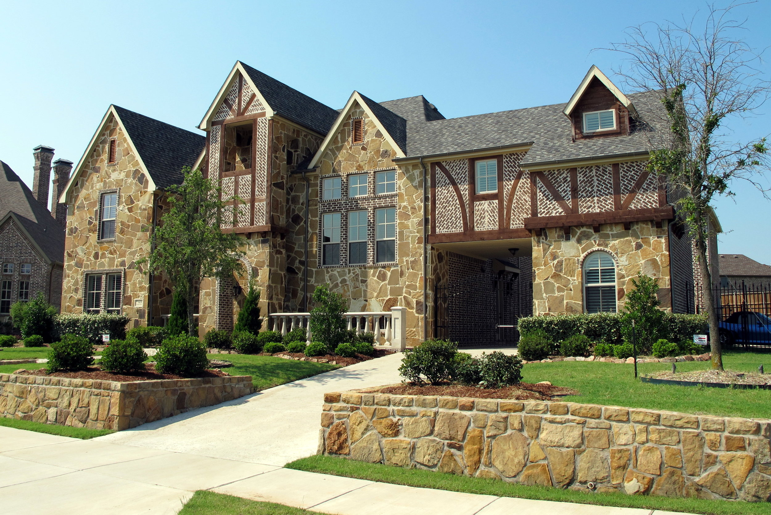 Beautiful-custom-home-shores-waterstone-frisco-texas.JPG