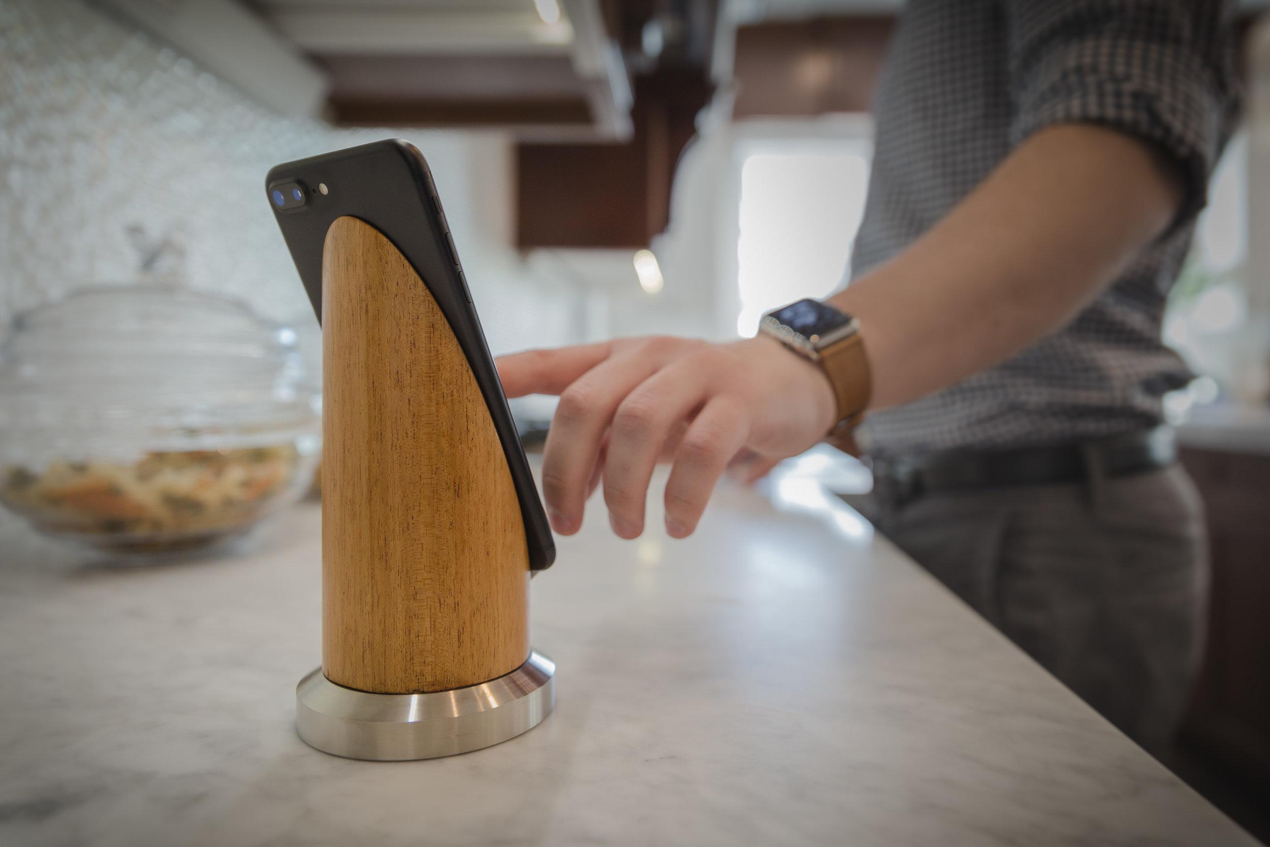 Pinnacle phone stand