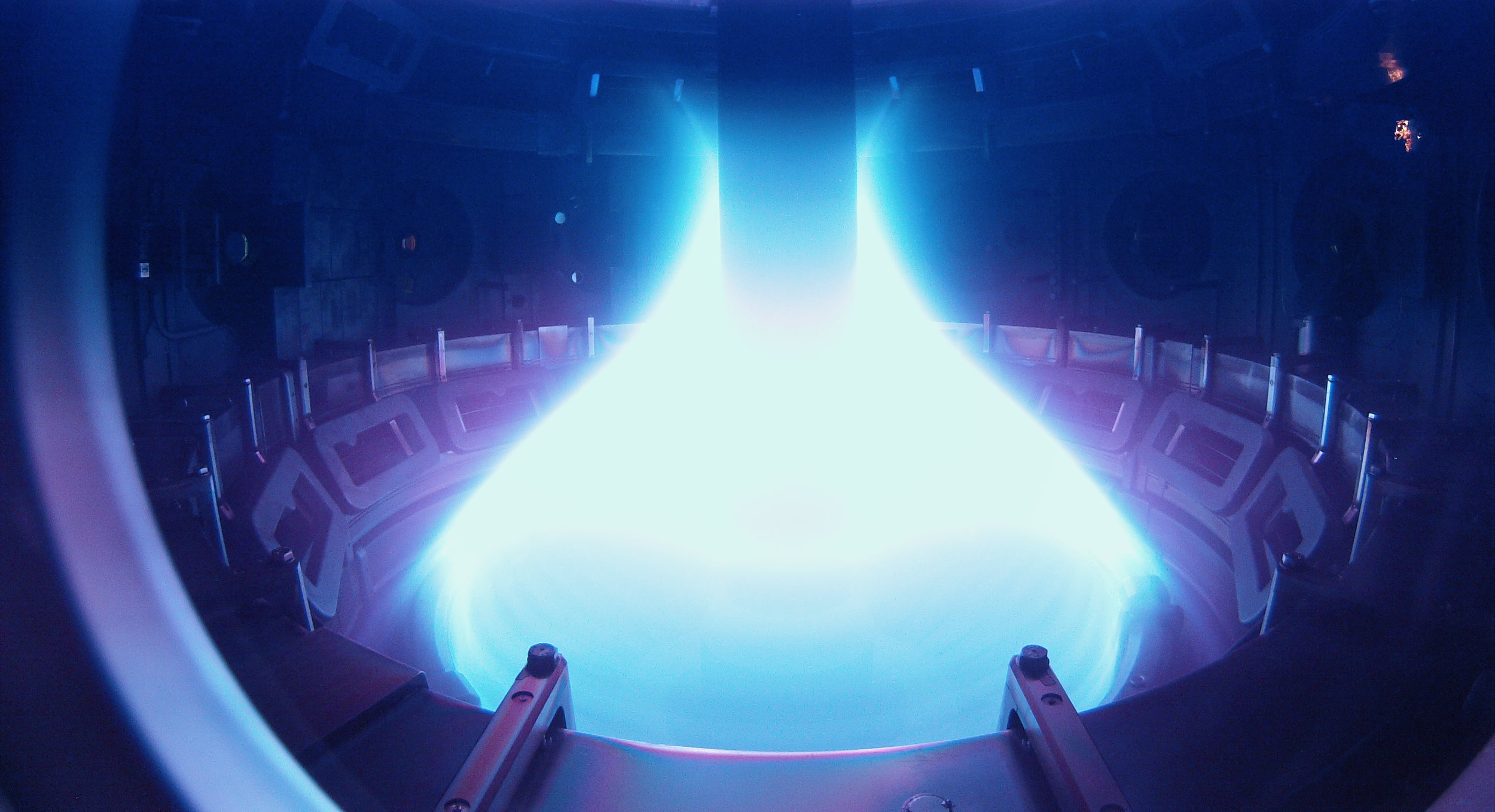 A fusion-generating Tokamak in action in Let There Be Light