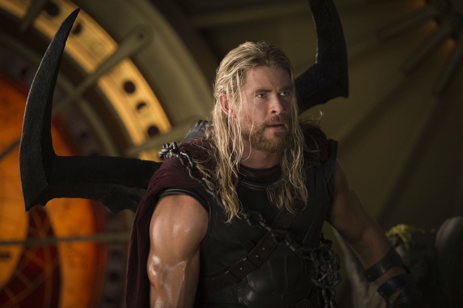 If the superhero thing doesn't work out, Chris Hemsworth could always try stand-up...