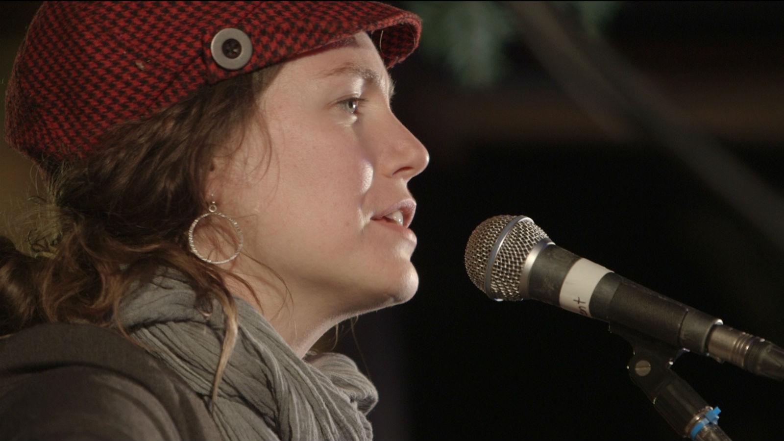 Catherine MacLellan in concert.