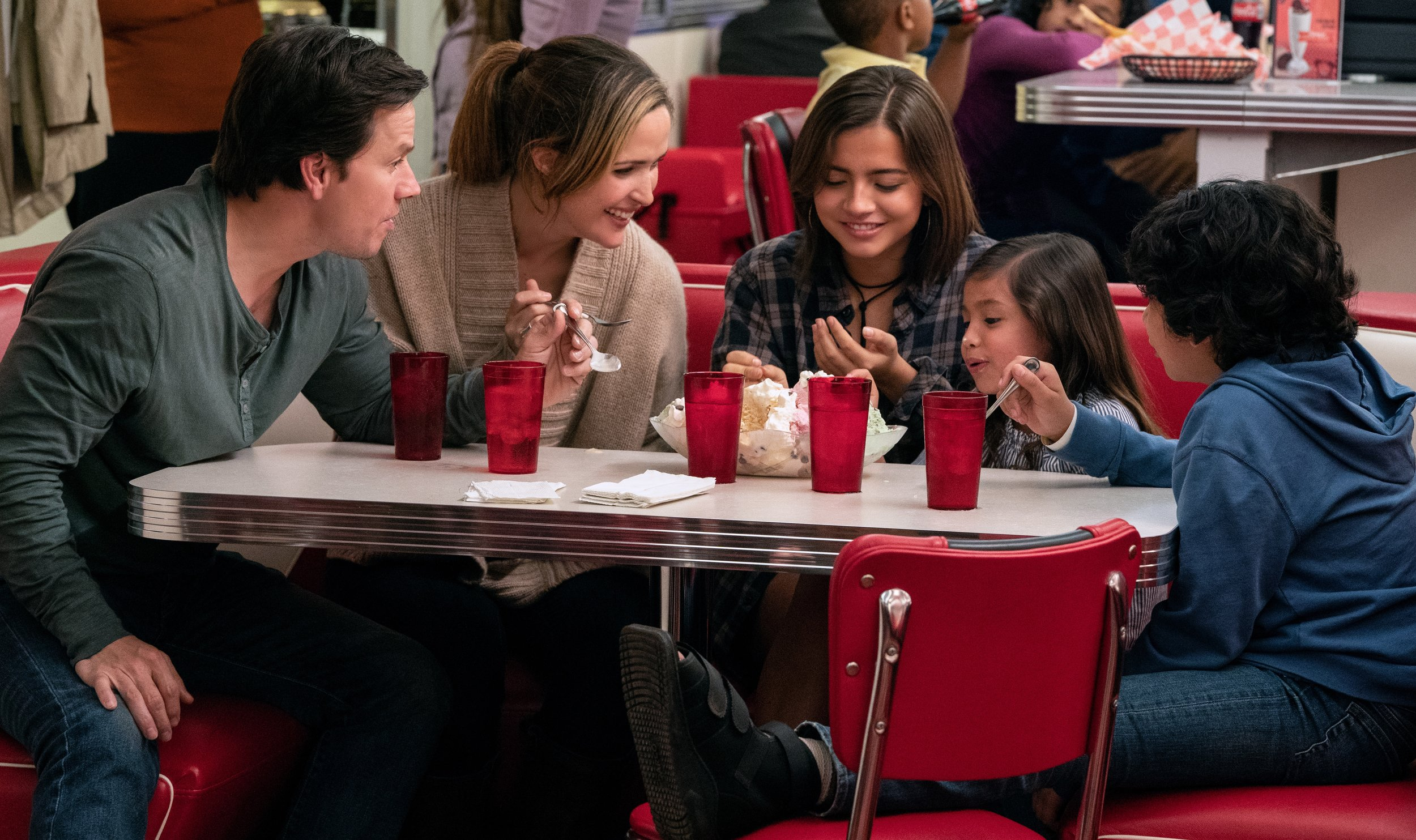 Wahlberg, Byrne, Moner, Gamiz and Quiroz are an instant family in Instant Family.