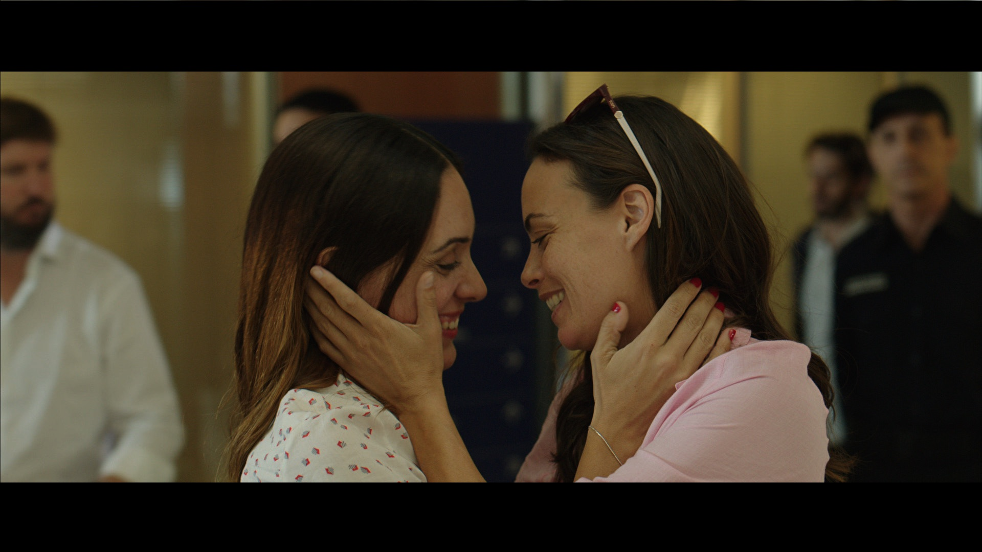 Bérénice Bejo and Martina Gusmán are sisters with an extremely close relationship in The Quietude