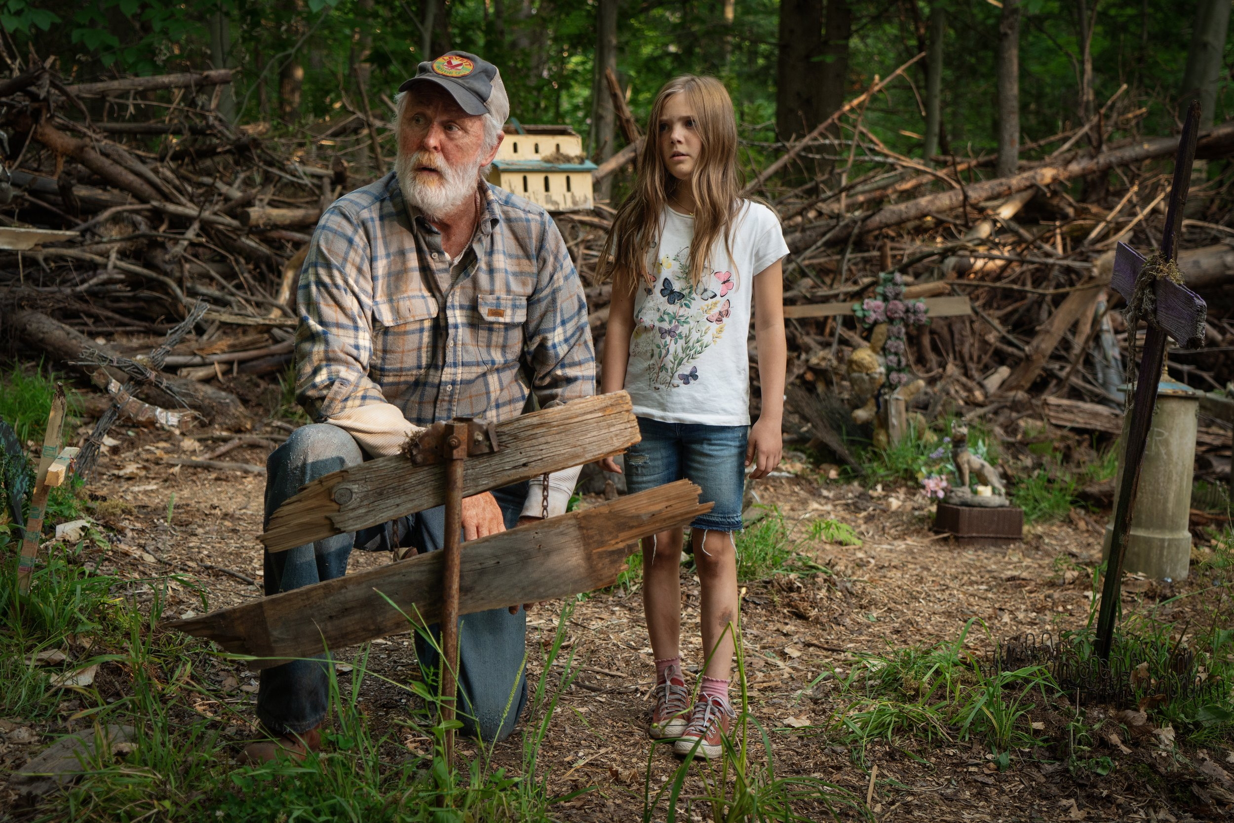 John Lithgow and Jeté Laurence in Pet Sematary. Something just doesn't feel right about this place.