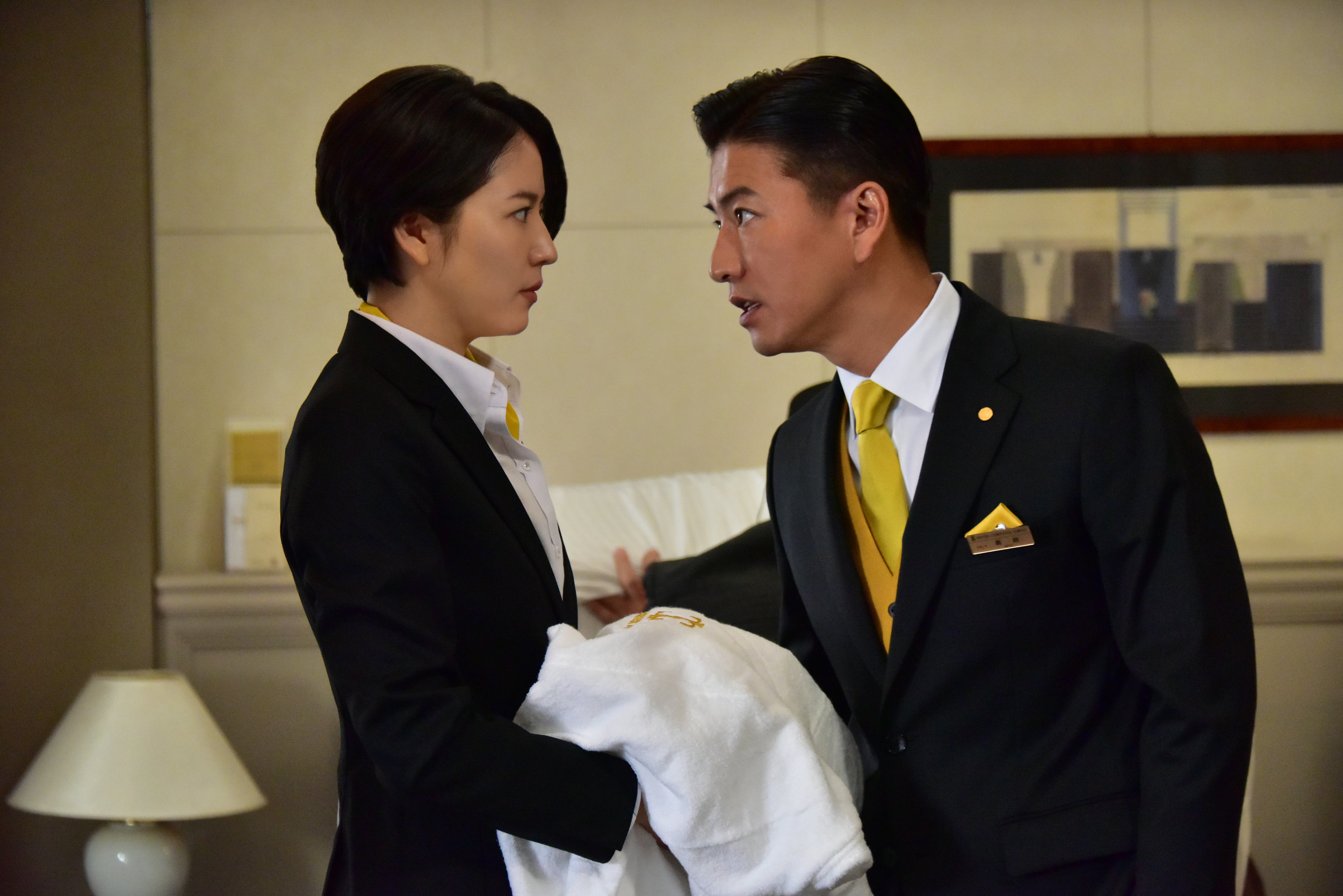 Hotelier Masami Nagasawa and undercover cop Takuya Timura crime-solve together in Masquerade Hotel