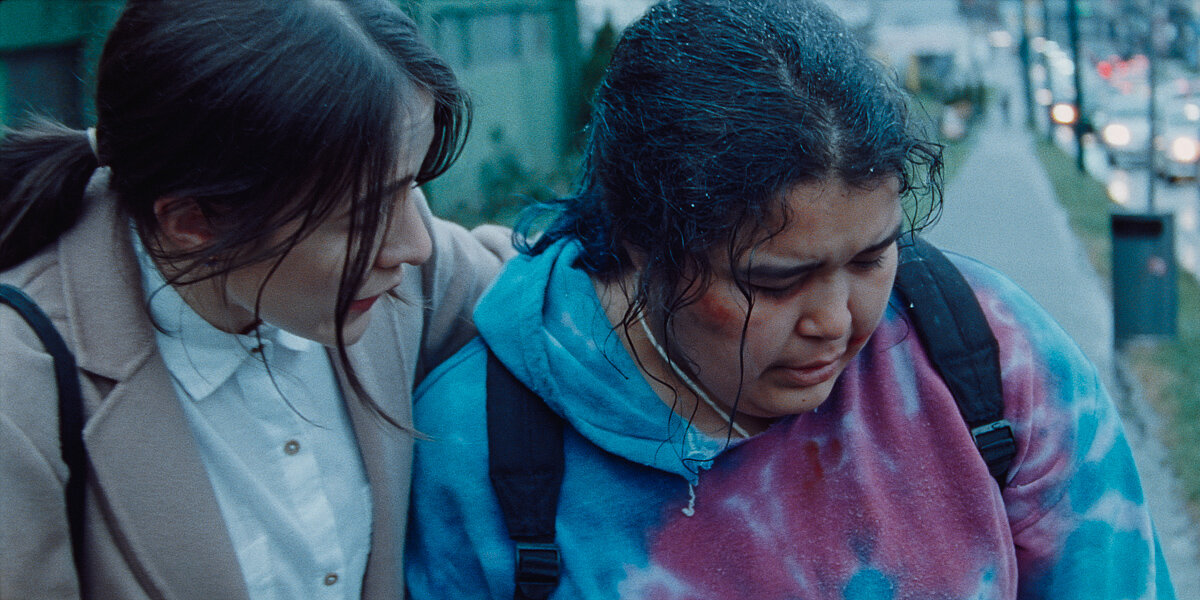 Áila (Elle-Máijá Tailfeathers) and Rosie (Violet Nelson) in The Body Remembers When the World Broke Open