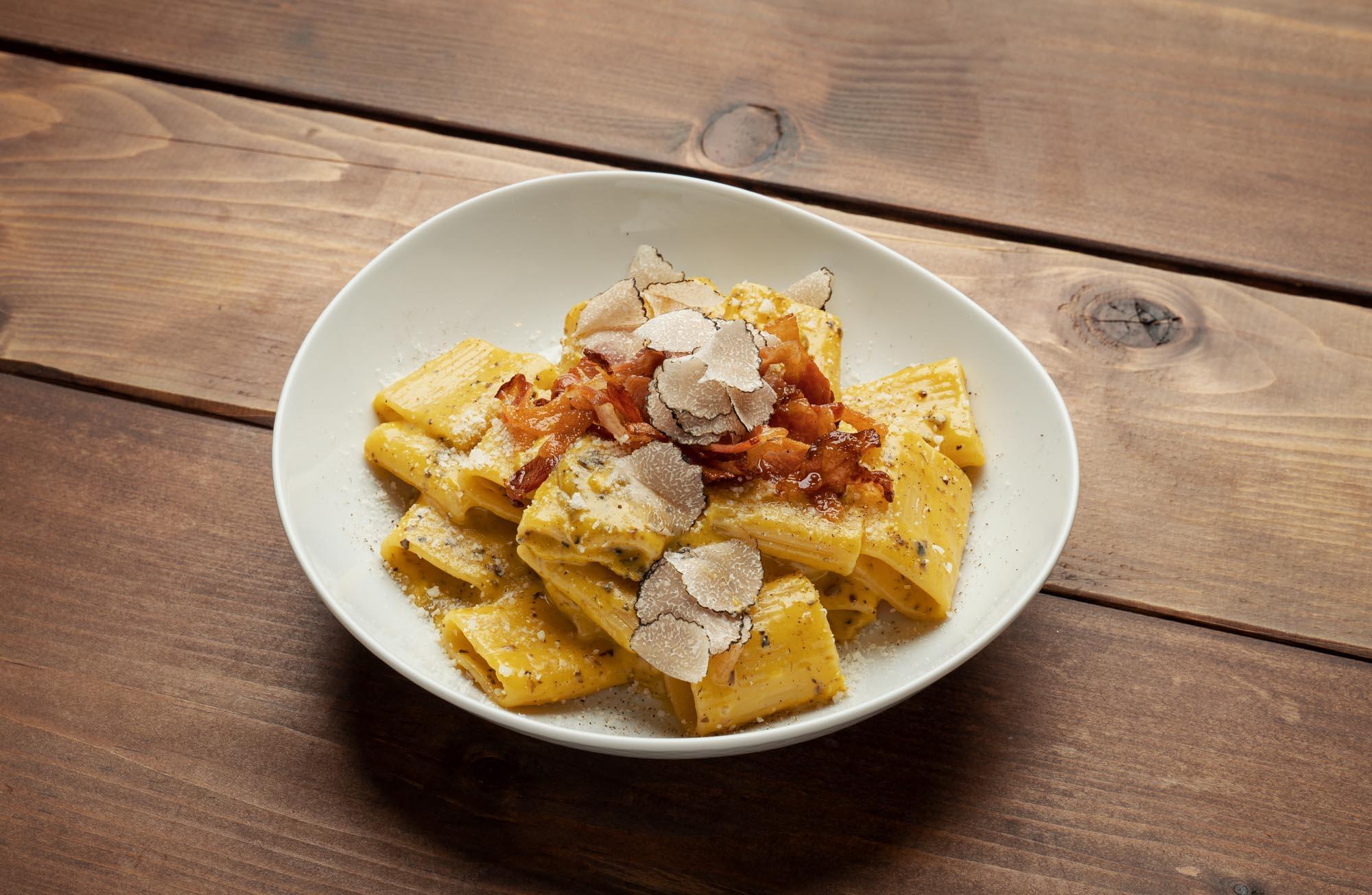 fotografia food a roma pasta carbonara