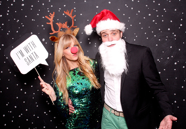 4. Profesh entertainment: Anything from a photo booth to on-site Christmas carolers are an easy way to make your holiday party super memorable (and fun).   //source