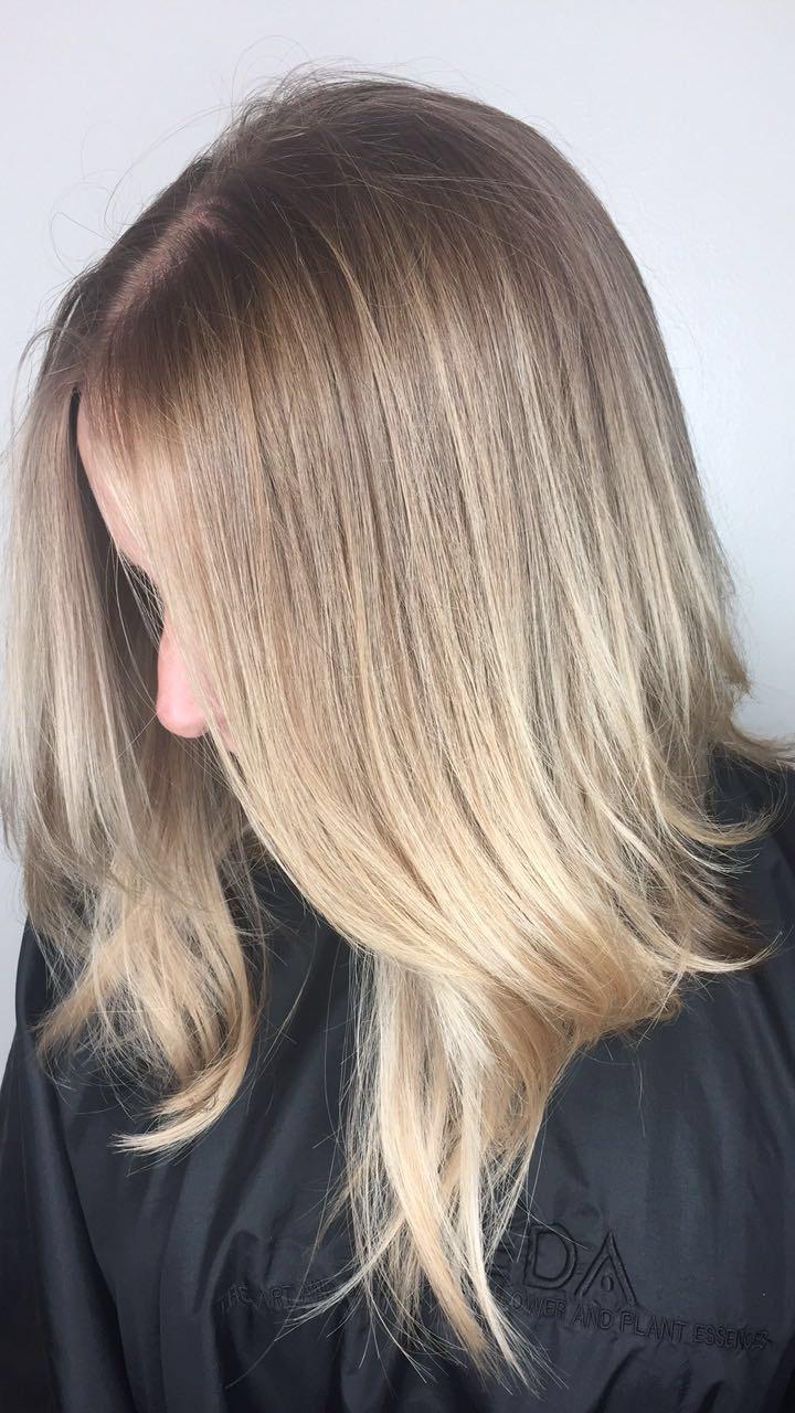 Bethany Oswalt Allen Hairstylist Blonde Highlights