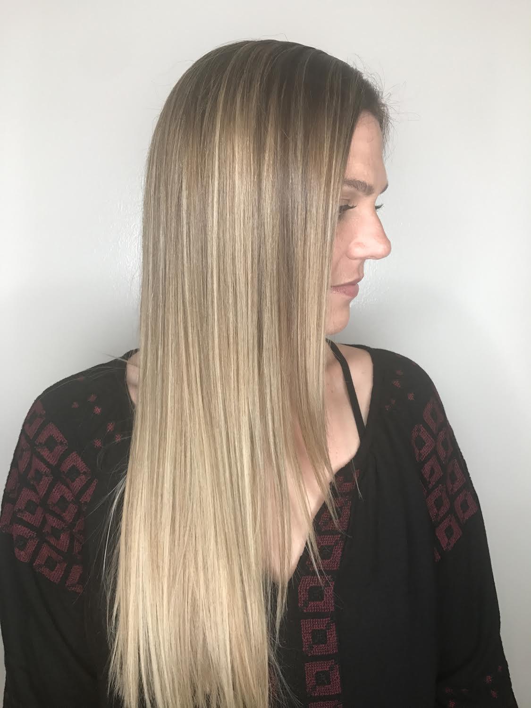Kari Wawrzonek Frisco Hairstylist Blonde