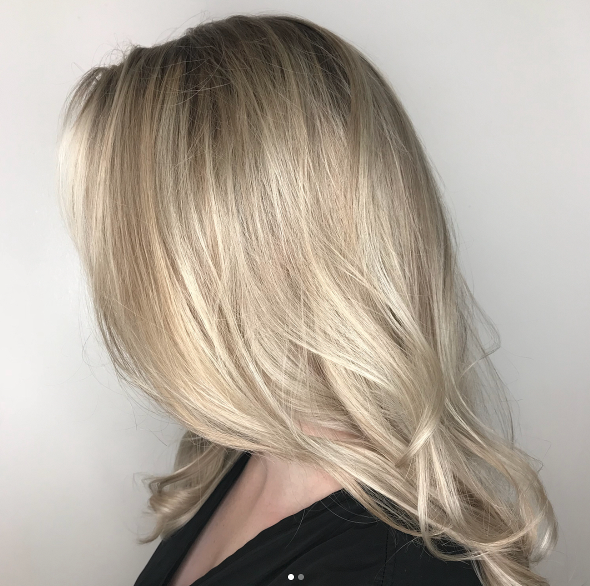 Noel Gawrysiak Allen Stylist Blonde Highlights
