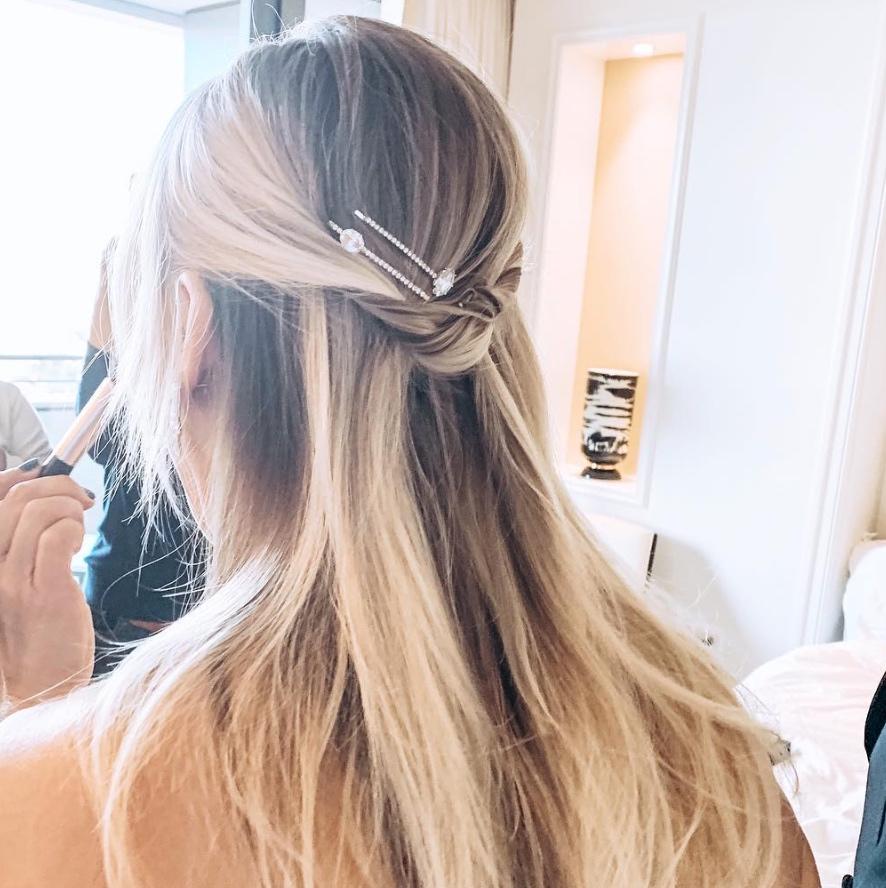 kaley+cuoco+hair+golden+globes.jpg