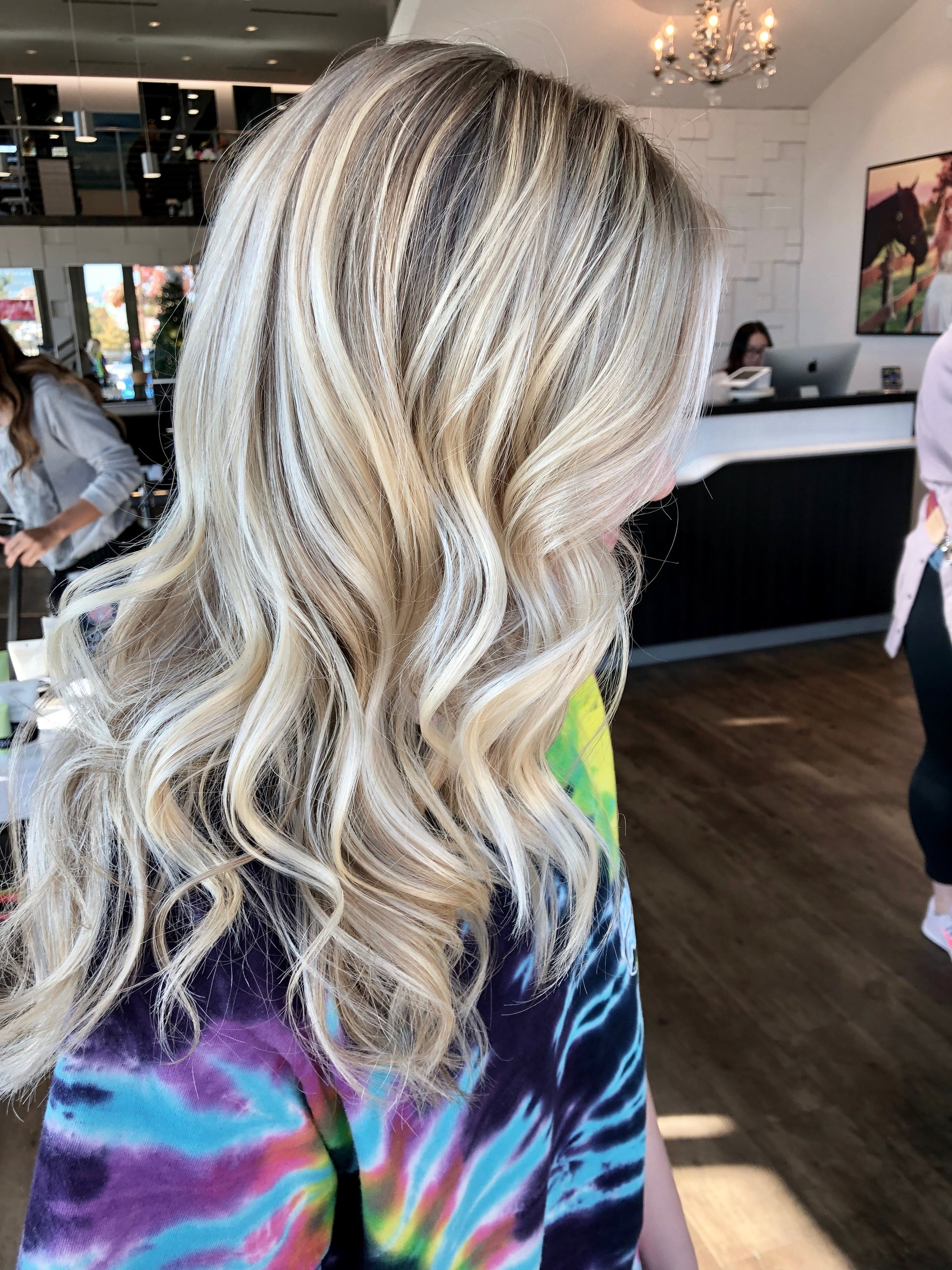 Madelyn Lindley Dallas Hairstylist Blonde Highlights