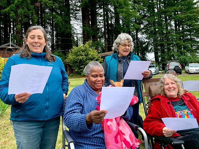 Here are a few photos from the end-of-season party last night. If you're interested in joining the choir next season, please message us. Auditions are the first two Thursday evenings in September.  #arcata #interfaith #gospel #choir #auditions