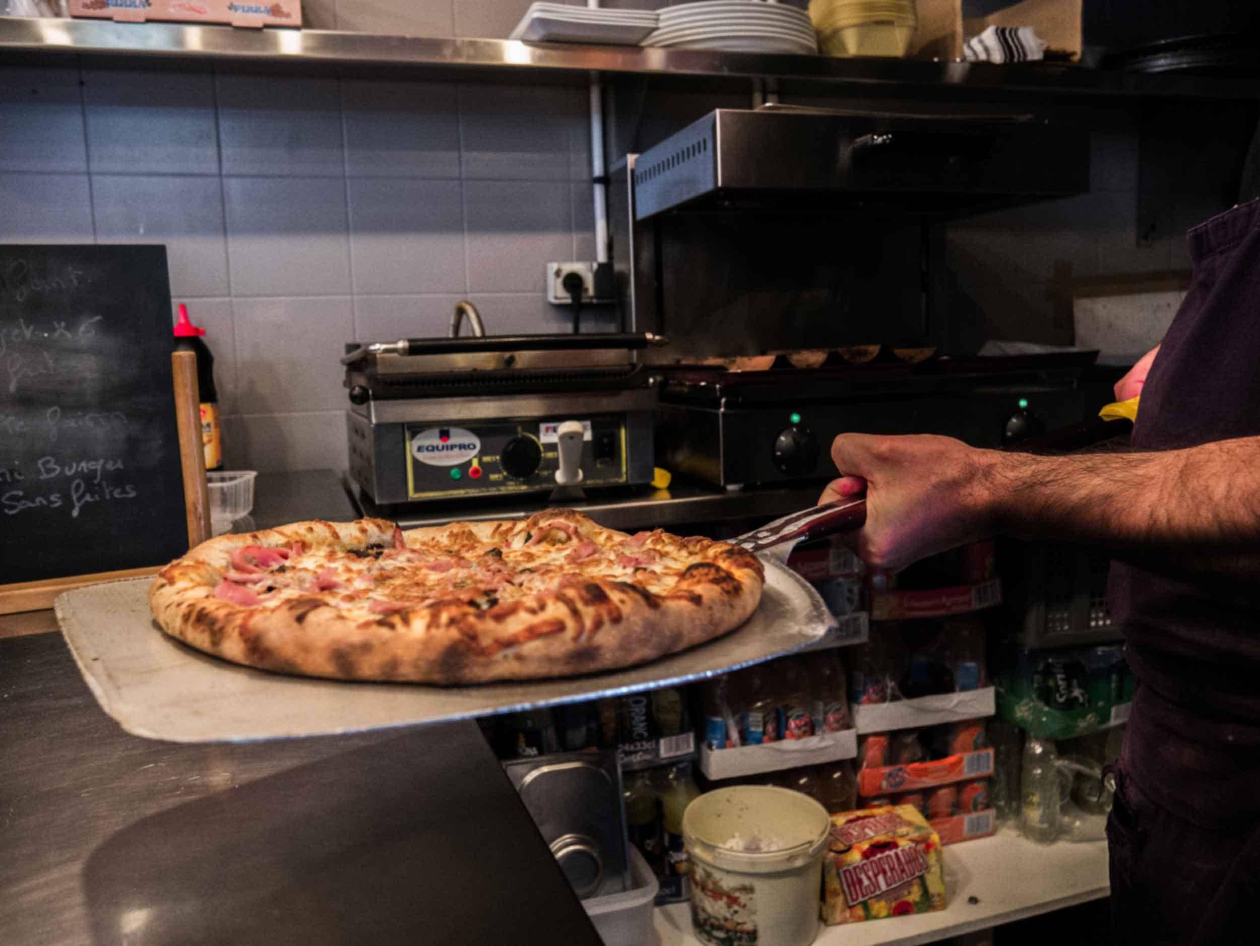 lé-gars-ré-pizzas-cuisine.jpg