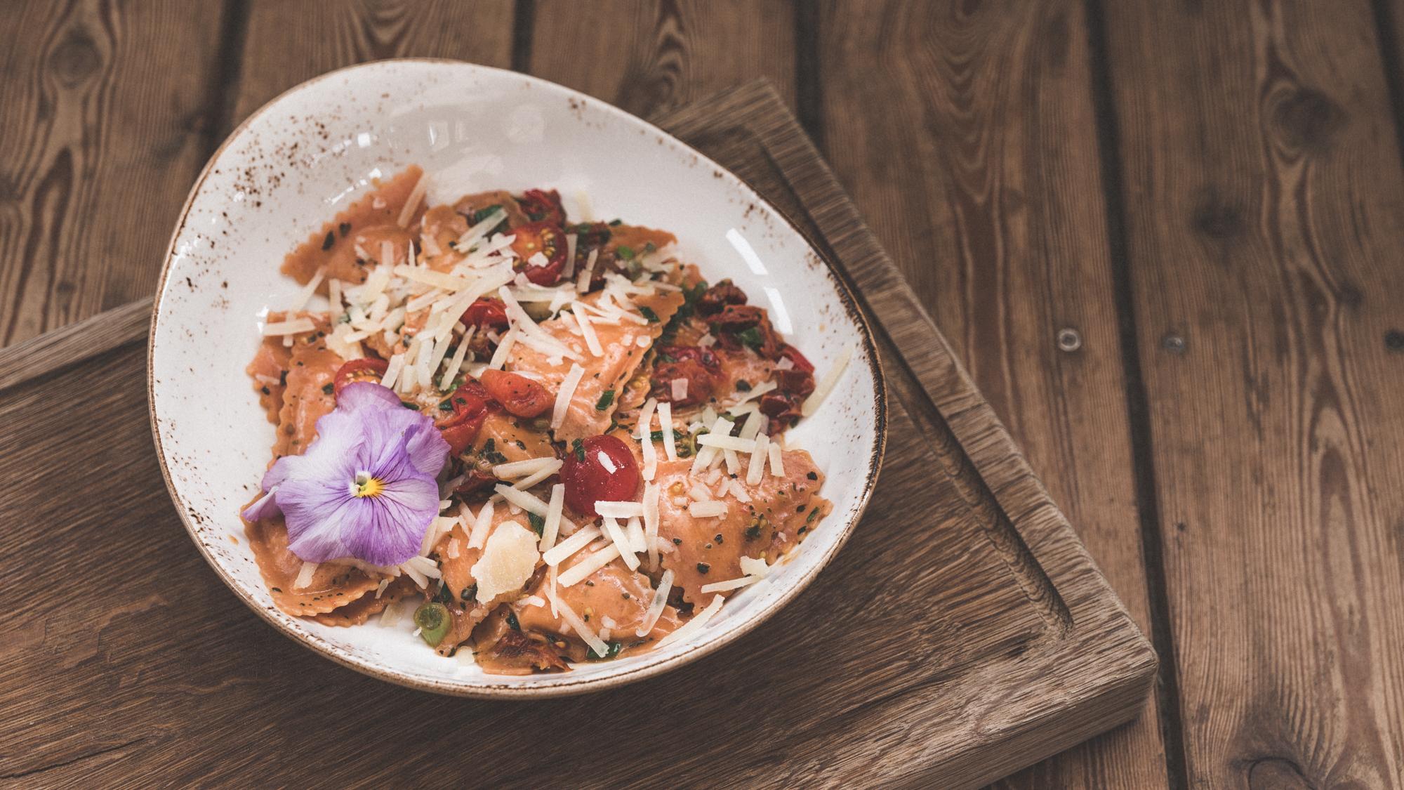 Überbackene Spinat-Torteloni