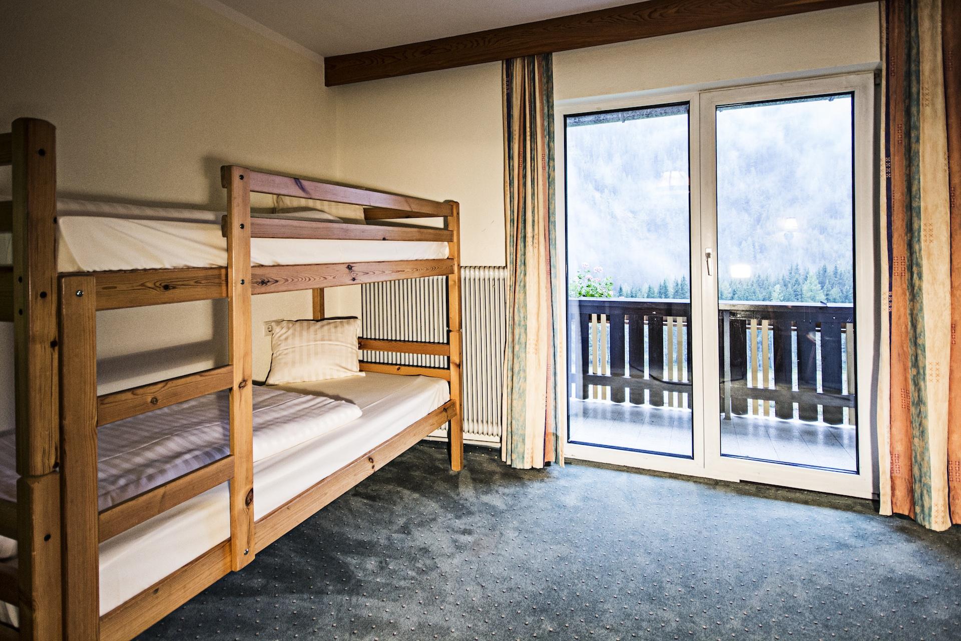 room4_2.jpg
