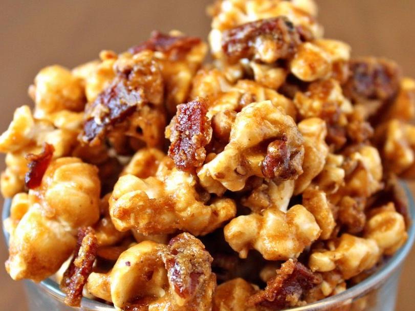 bacon-caramel-popcorn-1500-5724373e3df78ced1f0b88e9.jpg