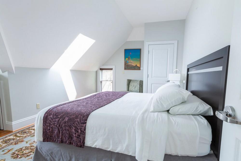 Strathallan-Suite-Bed.jpg