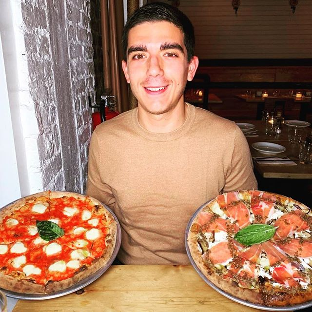 Margherita or truffle and prosciutto? That's the dilemma @giuseppeshungry 🍕🍕