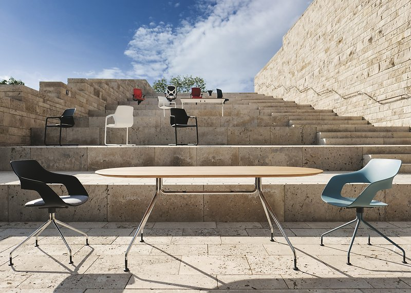 Occo Table & Chairs