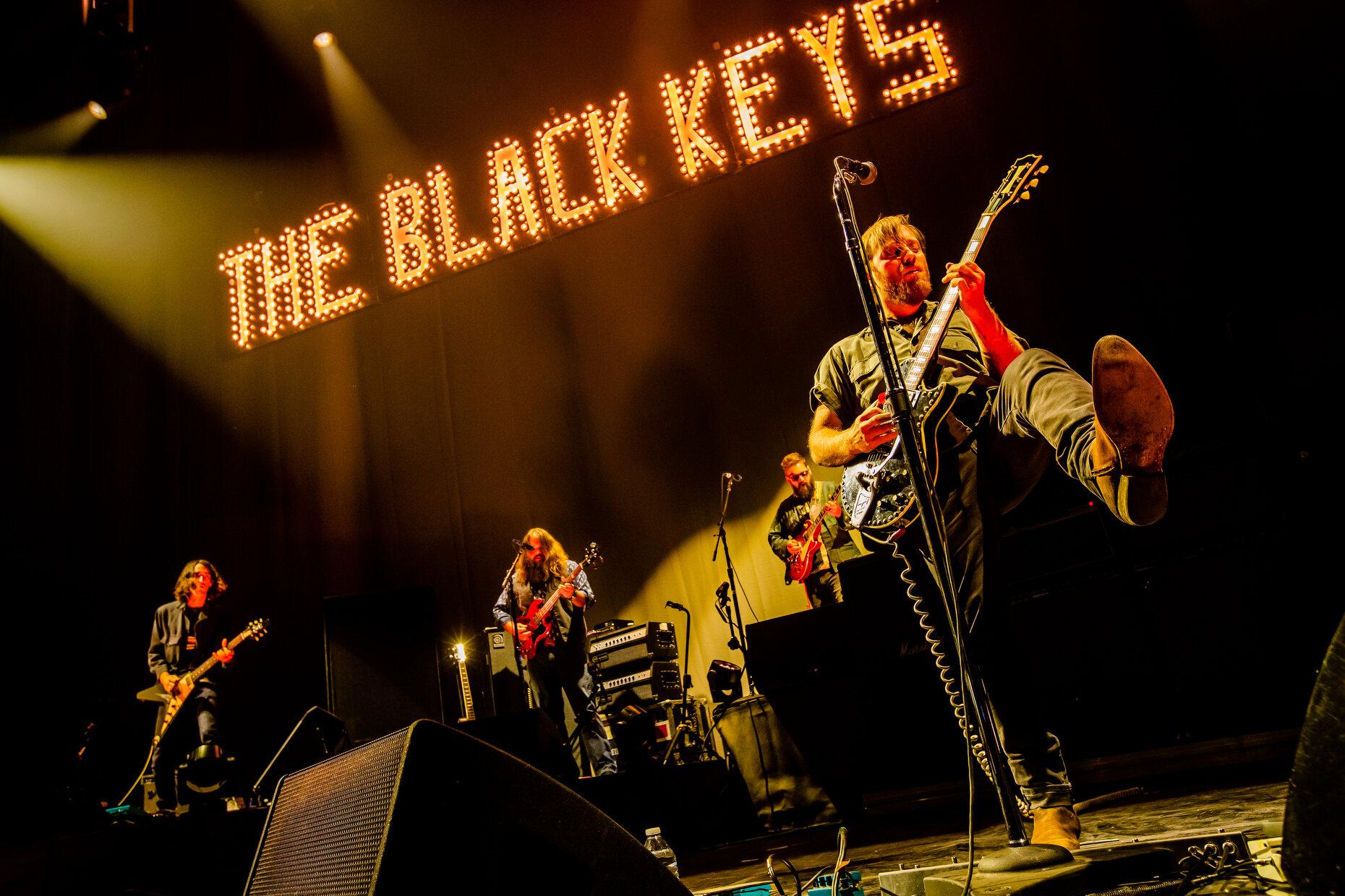 BLACKKEYS008.JPG