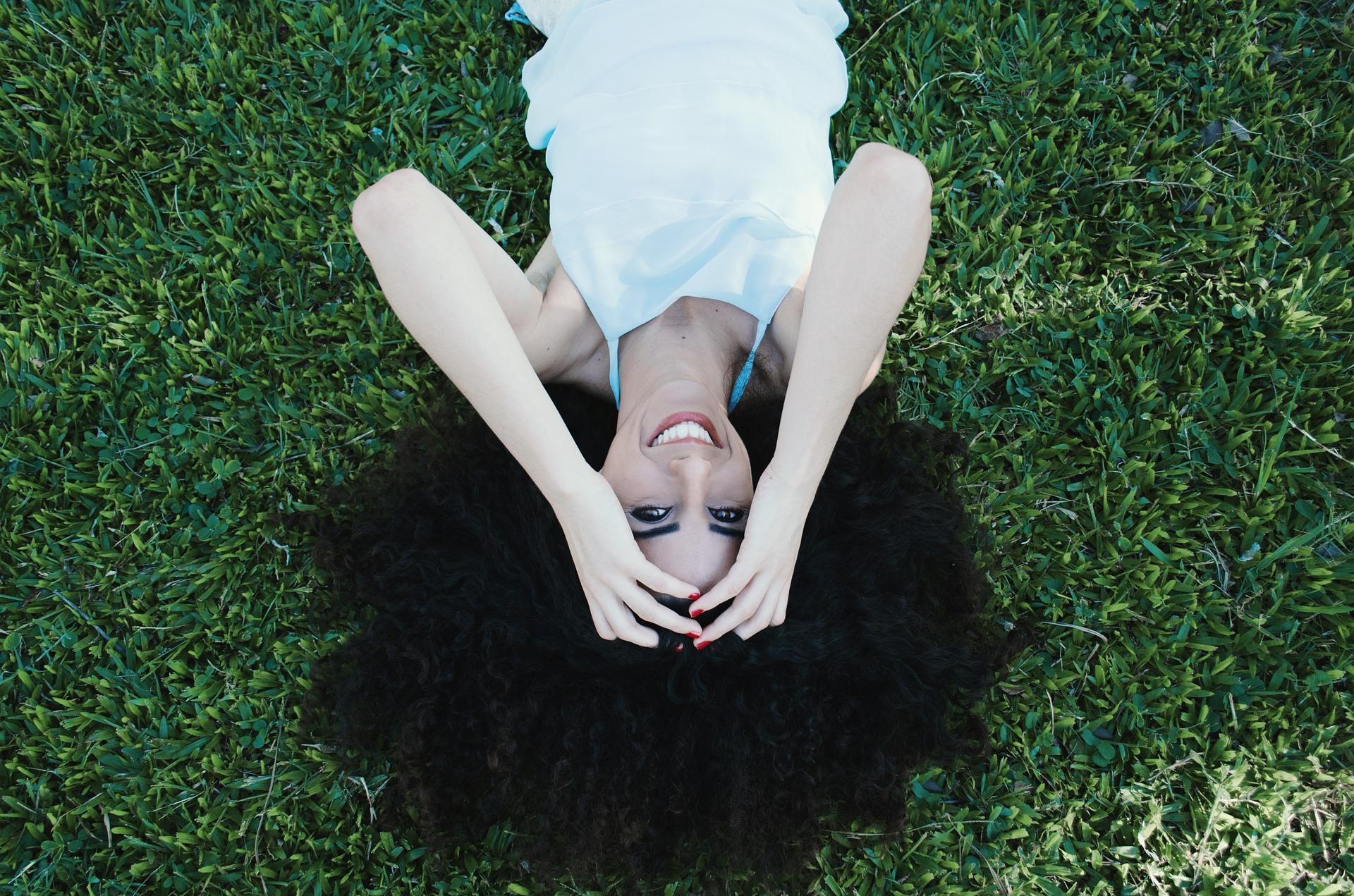 woman-918603_1920.jpg