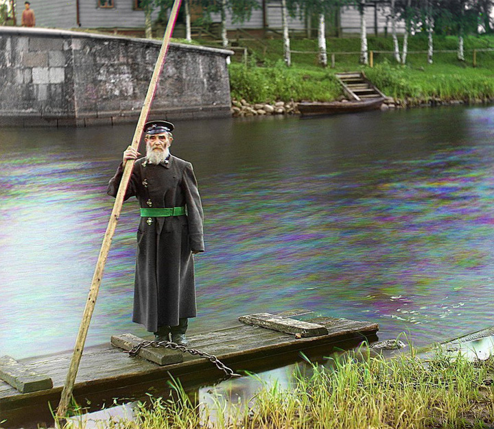 Pinkhus Karlinskii, the supervisor of the Chernigov floodgate, stands by a ferry dock along the Mariinskii Canal system in the northern part of European Russia. In the photo album of his tour of the canal system, Prokudin-Gorskii noted that Karlinskii was eighty-four years old and had served for sixty-six years.