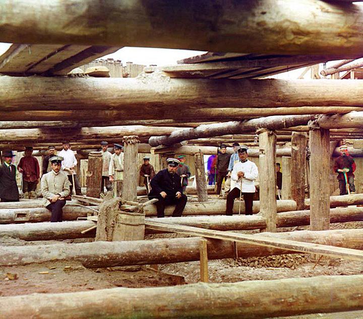 Work at the Bakalskii mine. Russia, 1910.