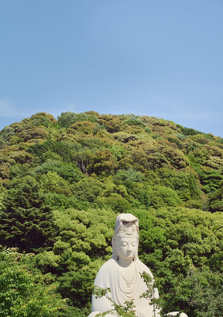 Giant Buddha at Ryozen Kannon