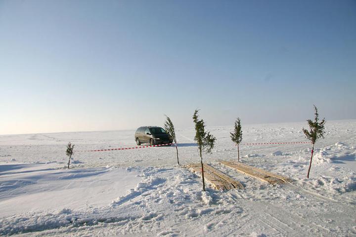 The ice road from Virtsu to Kuivastu