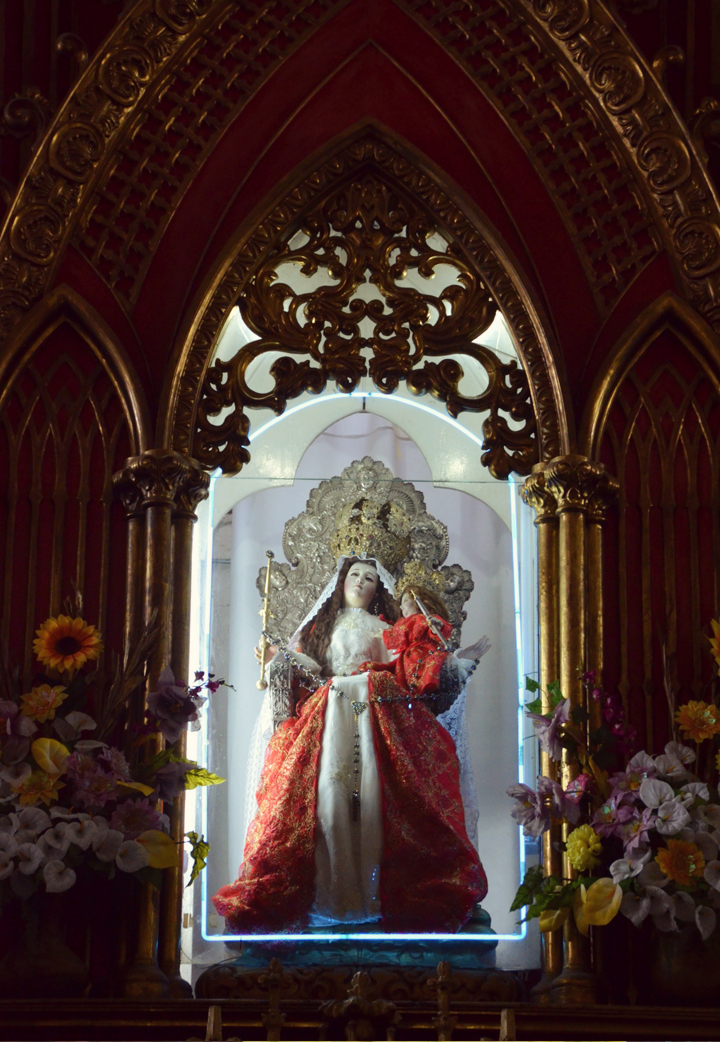 Señora del Agua Santa